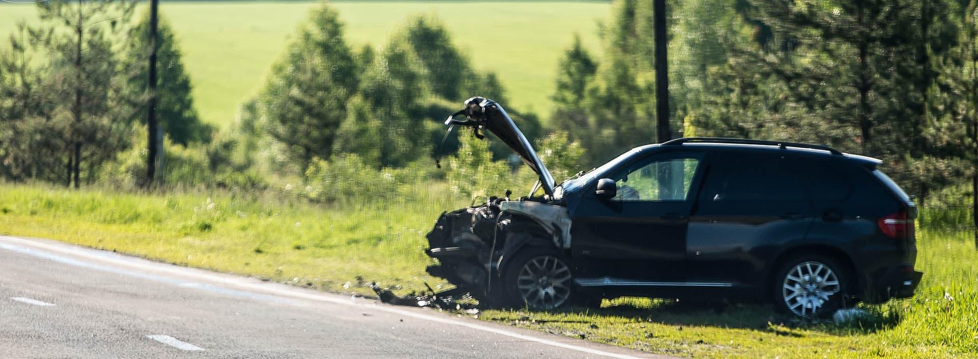 PaulaCar - Rozbite auto na poboczu