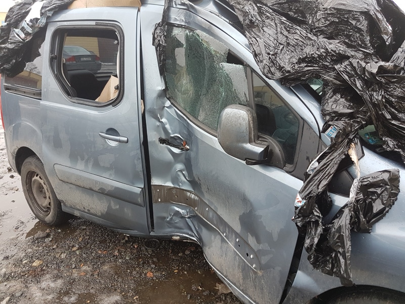 Skup aut po wypadku od rocznika 2010 Oleszyce